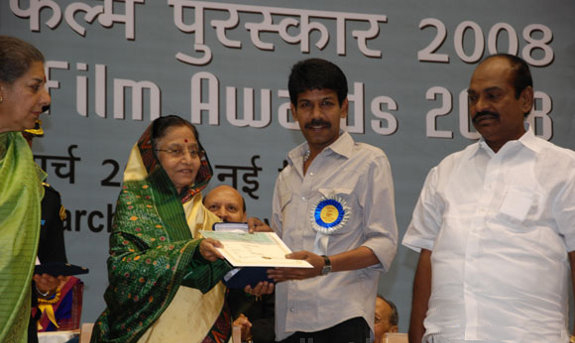 bala-56th-National-Awards-2010-stills-01